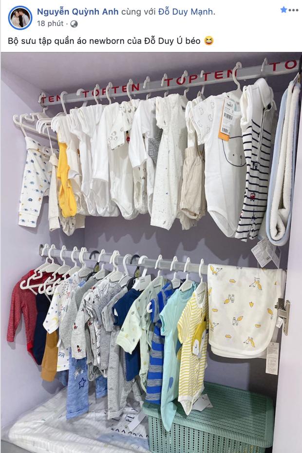 2 nàng WAGs sắp đến ngày sinh nở: Quỳnh Anh chuẩn bị quần áo tươm tất cho con trai, Nhật Linh vẫn ngồi xe đạp dạo chơi khi mang thai 40 tuần - Ảnh 1.
