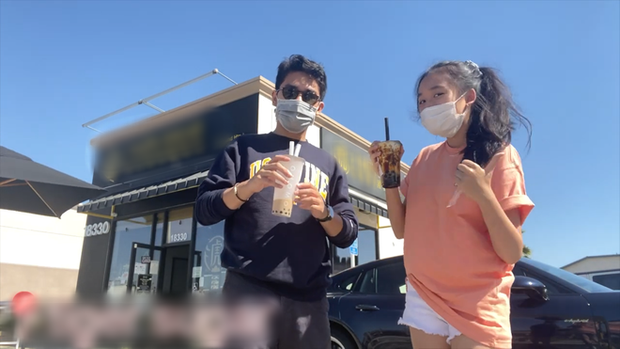 Jenny Huỳnh được anh trai đưa đi uống trà sữa ở khắp nước Mỹ, khẩu trang kín mít nhưng thấy hơi lầy và quá là điển trai  - Ảnh 2.