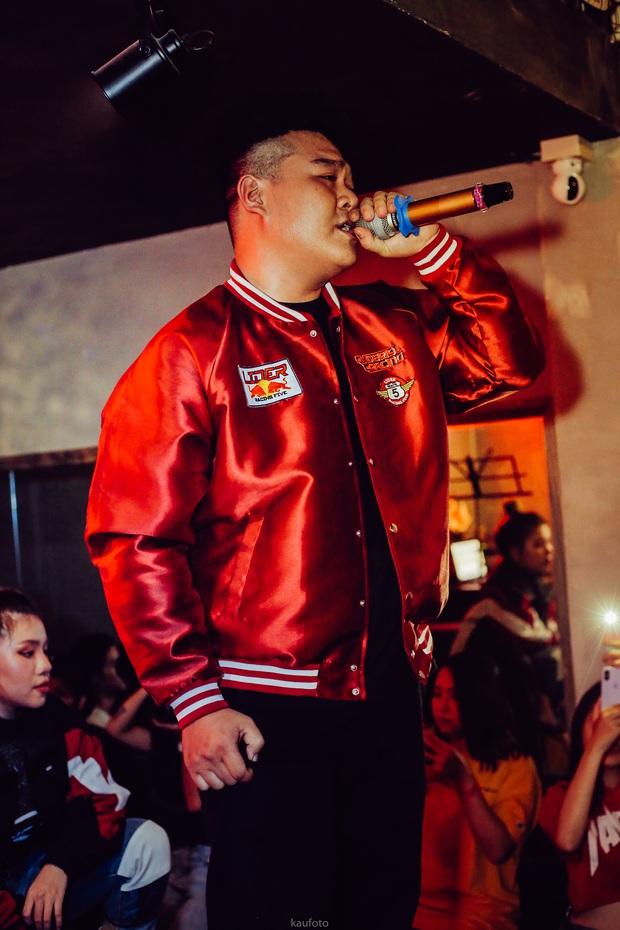 Bé bự một tạ mốt Yuno Bigboi gây sốt ở Rap Việt bày tỏ đã từng nản lòng với Rap, tiết lộ kỳ phùng địch thủ - Ảnh 2.
