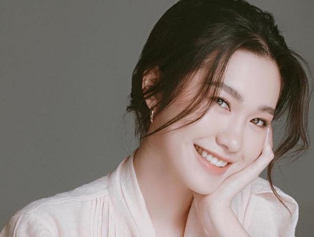 4 thí sinh Hoa hậu Việt Nam 2020 gây sốt vì giống dàn sao hot: Hết na ná Jennie (BLACKPINK) đến bản sao Đặng Thu Thảo - Ảnh 14.