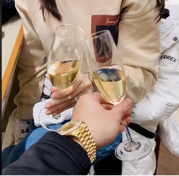 Hari Won tiết lộ món quà đầu tiên được Trấn Thành tặng lúc hẹn hò, nhìn cách nàng gìn giữ là biết quý lắm đây! - Ảnh 5.