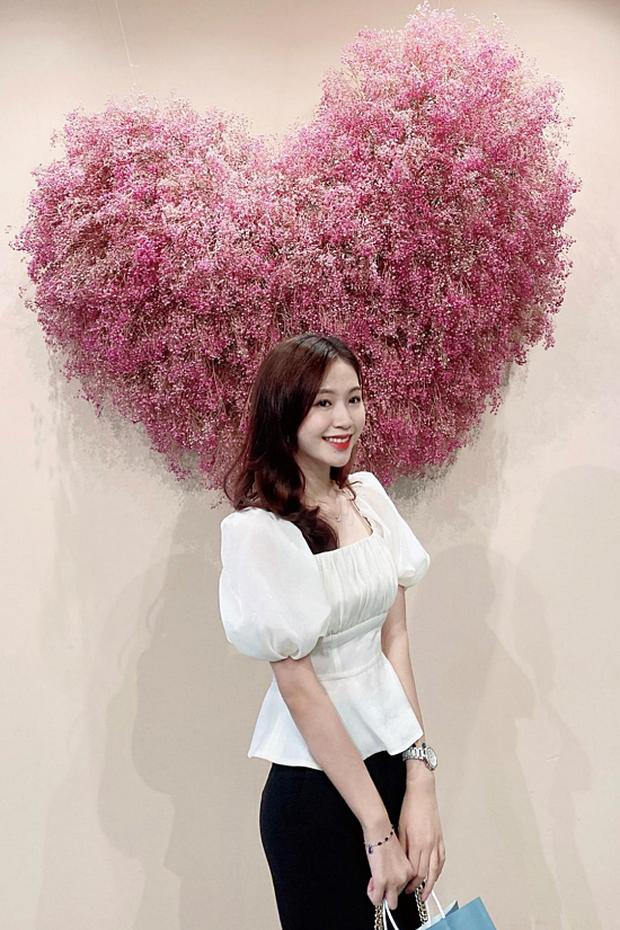 4 thí sinh Hoa hậu Việt Nam 2020 gây sốt vì giống dàn sao hot: Hết na ná Jennie (BLACKPINK) đến bản sao Đặng Thu Thảo - Ảnh 9.