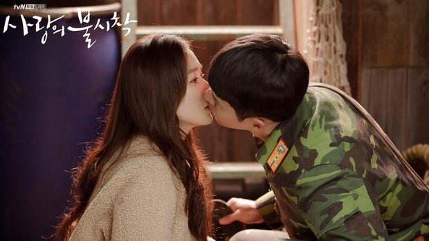Nghe tin Hyun Bin - Son Ye Jin hẹn hò, lại giở ra ôn lại loạt khoảnh khắc mùi mẫn của anh chị nhà - Ảnh 10.