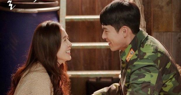 Nghe tin Hyun Bin - Son Ye Jin hẹn hò, lại giở ra ôn lại loạt khoảnh khắc mùi mẫn của anh chị nhà - Ảnh 11.