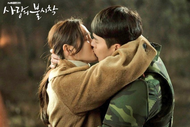 Nghe tin Hyun Bin - Son Ye Jin hẹn hò, lại giở ra ôn lại loạt khoảnh khắc mùi mẫn của anh chị nhà - Ảnh 19.