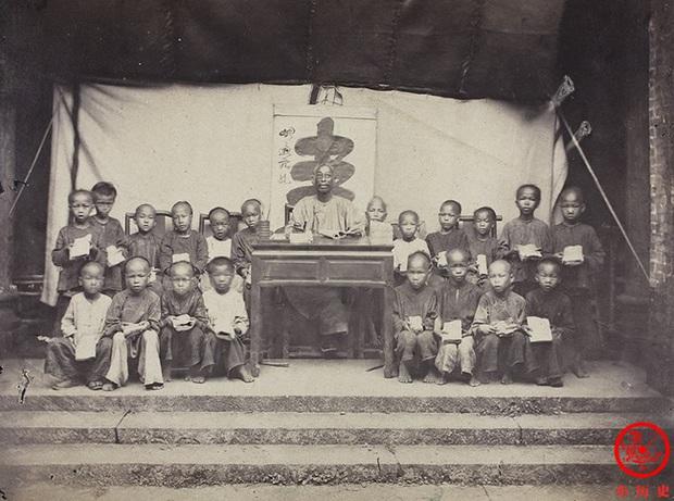 Loạt ảnh cũ quý giá nhất cuối thời nhà Thanh: Diện mạo của Tử Cấm Thành từ 160 năm trước và cuộc sống người dân được khắc họa rõ nét - Ảnh 3.