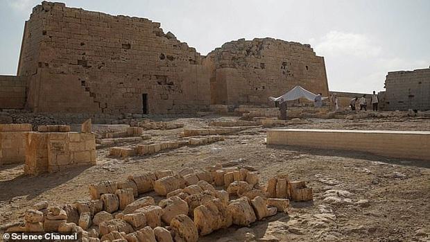 Xác ướp đôi nam nữ phủ kín vàng, yên nghỉ cùng nhau 2.000 năm trong đền cổ hé lộ nơi an táng bí mật của nữ vương tài sắc vẹn toàn Cleopatra - Ảnh 5.