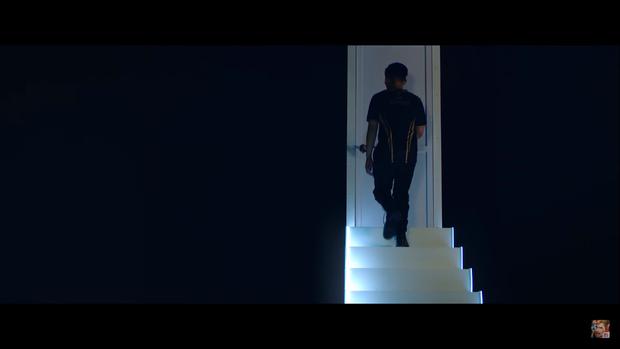 Giải mã trailer Đấu Trường Danh Vọng mùa Đông: Lai Bâng loay hoay tìm cánh cửa thành công, ADC không còn độc tôn trên ngai vàng - Ảnh 9.