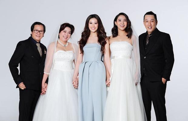 Hoa hậu Khánh Vân khoe ảnh gia đình, chị dâu nổi bần bật với nhan sắc không vừa: Thì ra cũng từng thi Hoa hậu! - Ảnh 3.