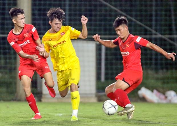 Tiểu Văn Toàn lập công giúp đội nhà chiến thắng trong trận đấu tập của U22 Việt Nam - Ảnh 5.