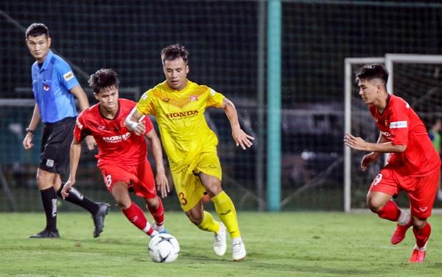 Tiểu Văn Toàn lập công giúp đội nhà chiến thắng trong trận đấu tập của U22 Việt Nam - Ảnh 3.