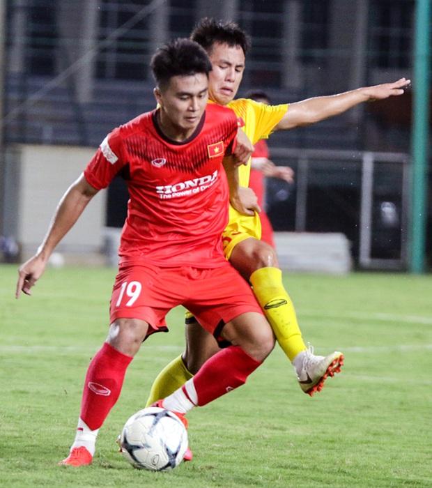Tiểu Văn Toàn lập công giúp đội nhà chiến thắng trong trận đấu tập của U22 Việt Nam - Ảnh 4.