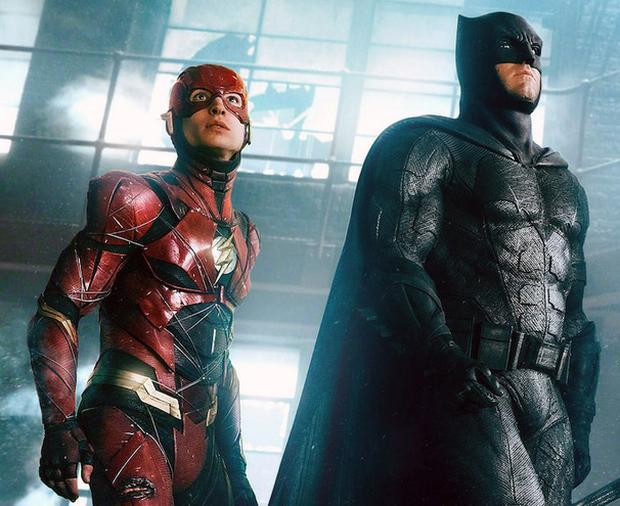 """Ben Affleck bất ngờ trở lại làm Batman, có khi nào để làm """"chỗ dựa tinh thần"""" cho The Flash? - Ảnh 1."""
