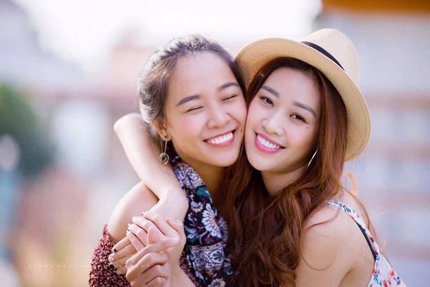 Hoa hậu Khánh Vân khoe ảnh gia đình, chị dâu nổi bần bật với nhan sắc không vừa: Thì ra cũng từng thi Hoa hậu! - Ảnh 8.
