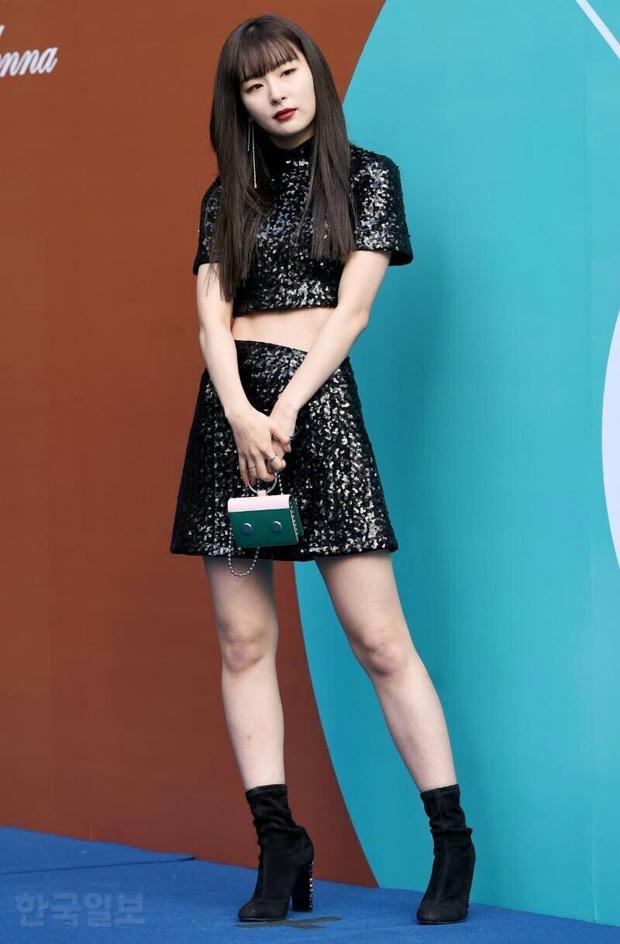 """Chỉ cao hơn 1m60, Seulgi vẫn """"cân"""" mọi style, nhiều pha lên đồ xuất sắc như cao 1m70 - Ảnh 1."""