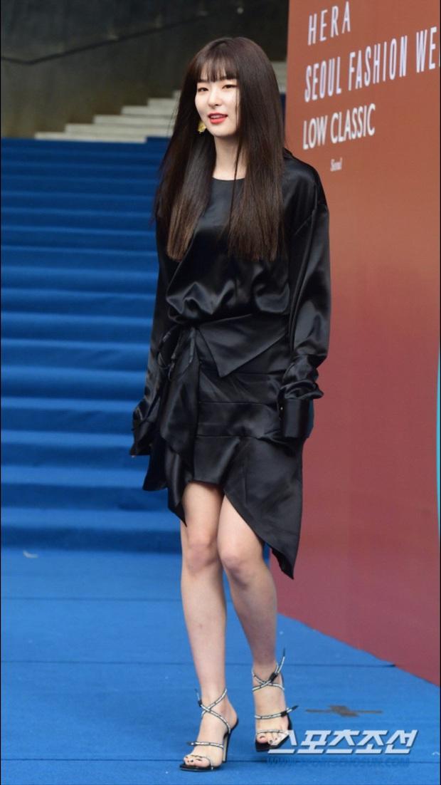 """Chỉ cao hơn 1m60, Seulgi vẫn """"cân"""" mọi style, nhiều pha lên đồ xuất sắc như cao 1m70 - Ảnh 5."""