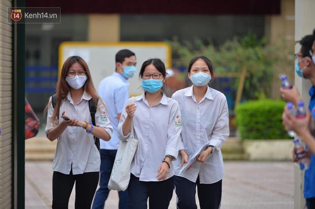 Thứ trưởng Bộ GD-ĐT: Có thể tổ chức đợt thi riêng kỳ thi tốt nghiệp THPT 2020 cho Đà Nẵng - Ảnh 1.