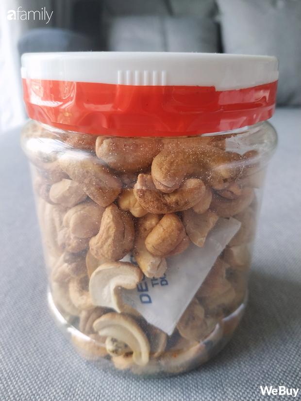 Ăn thử hạt điều siêu rẻ 100k/4-6 hộp: Ngon đấy nhưng không ngồi soi từng hạt thì cẩn thận kẻo rước bệnh vào người - Ảnh 4.