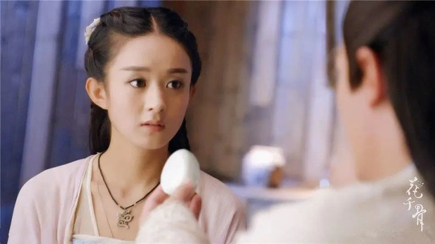 Kho đạo cụ siêu nghèo của phim cổ trang Trung: Hết gắn hoa giả lại dùng dây buộc tóc làm ngọc minh châu - Ảnh 12.