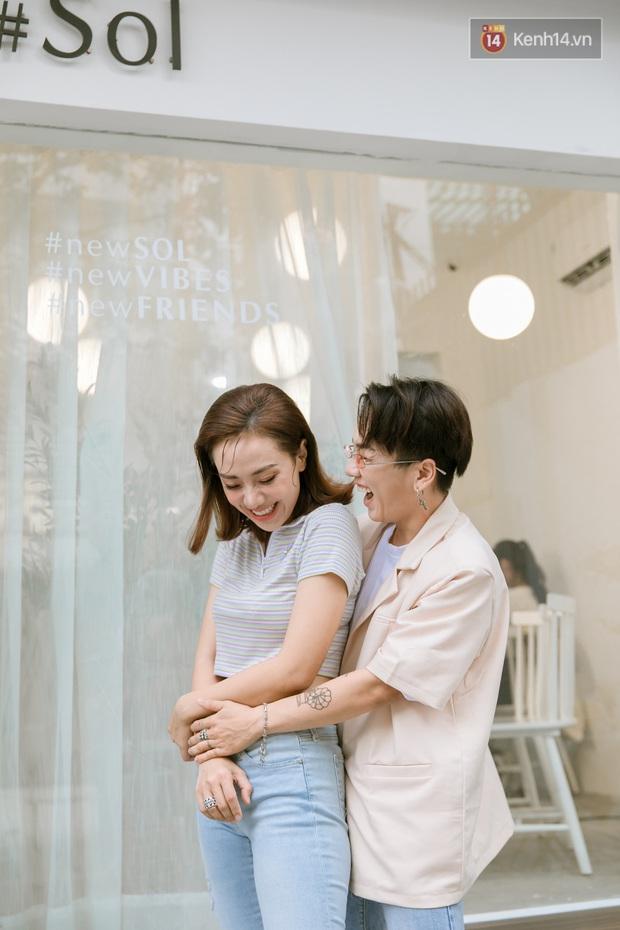 Gặp Miko Lan Trinh và bạn trai chuyển giới: Ra ngoài tôi sẽ nói chuyện hẹn hò anh là thật, còn về nhà tôi phải thuyết phục mẹ đây là PR - Ảnh 9.