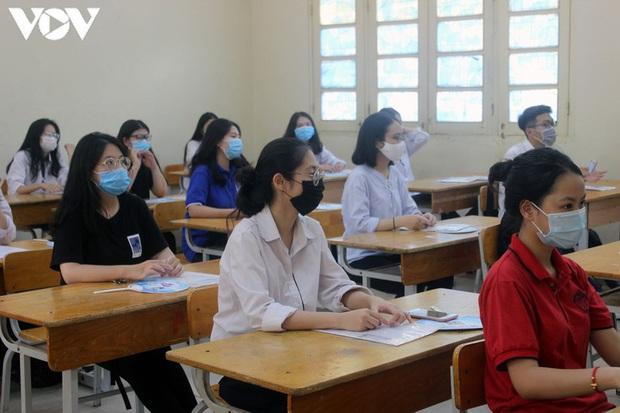 Điểm chuẩn các trường ĐH khối ngành Xã hội tăng nhẹ nhưng không đột biến - Ảnh 1.