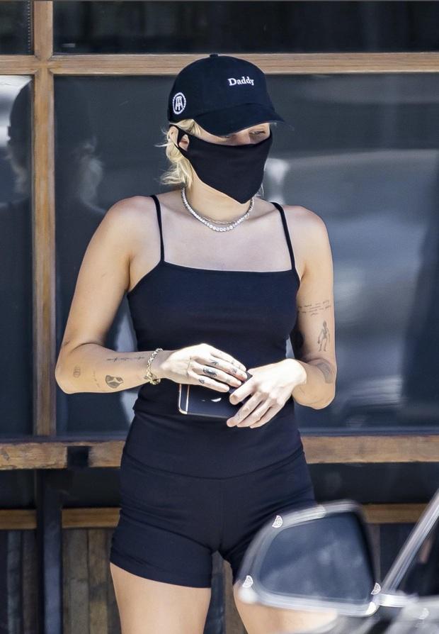 Thì thầm Hollywood: Miley lọt top tìm kiếm web 18+, Taylor Swift định cưới online, vợ Justin Bieber muốn tạm dừng cuộc hôn nhân? - Ảnh 6.