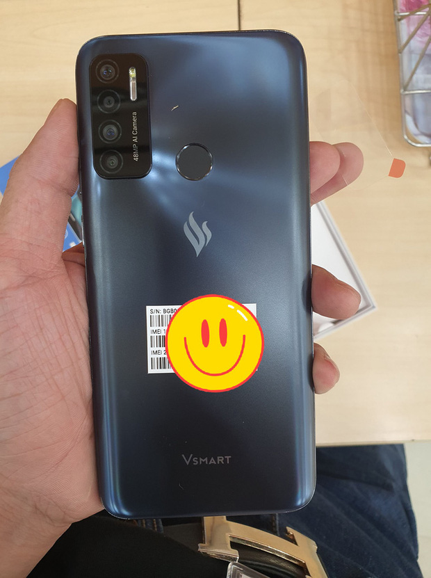 Vsmart Live 4 rò rỉ toàn bộ: Snapdragon 675, pin 5000 mAh, 4 camera, màn hình đục lỗ - Ảnh 2.