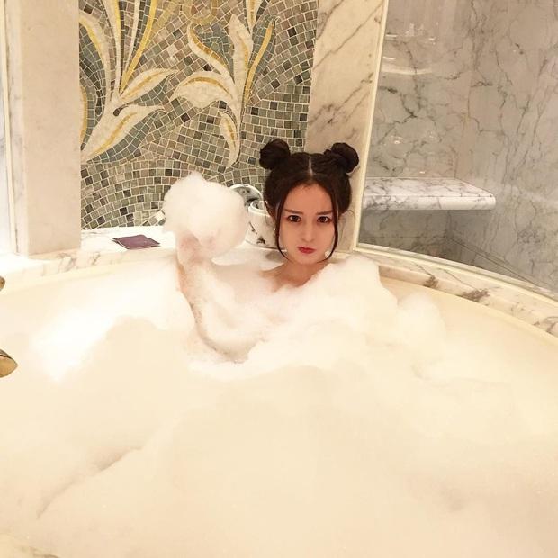 4 thói quen xấu khi tắm nếu thường xuyên tiếp diễn có thể khiến da bị nhăn nheo, khô xỉn - Ảnh 1.
