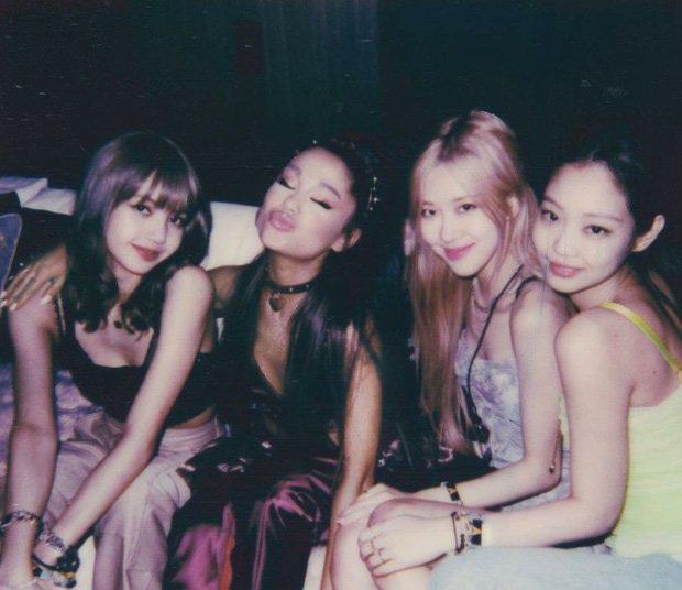 Fandom Ariana Grande đúng là trúa hề: Hết hợp tác với BLACKPINK, Drake rồi loạt nghệ sĩ, tất cả chỉ là cú lừa! - Ảnh 1.