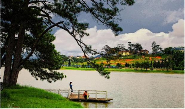 Trường Đại học ở Việt Nam đẹp như một bức tranh, đến cả Sơn Tùng M-TP, Soobin Hoàng Sơn cũng lên tận nơi check-in - Ảnh 6.