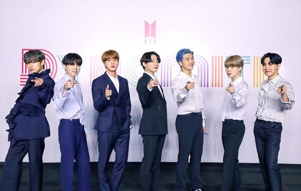 30 ca sĩ Hàn hot nhất hiện nay: Loạt ca sĩ nhạc Trot vượt mặt cả dàn idol, đối thủ nào chiếm ngôi vương của BTS? - Ảnh 3.