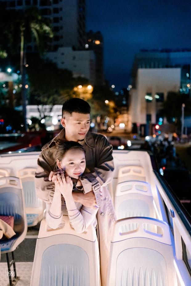 Cô gái cùng người yêu đi xe buýt mui trần ở Sài Gòn đã có bộ ảnh lãng mạn hú hồn, cần gì sang chảnh như Matt Liu và Hương Giang! - Ảnh 7.
