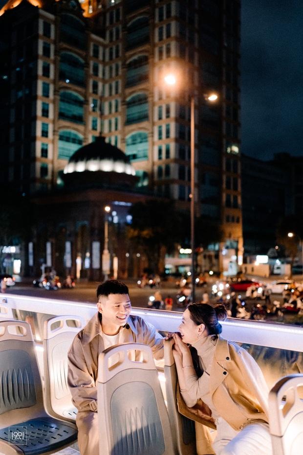 Cô gái cùng người yêu đi xe buýt mui trần ở Sài Gòn đã có bộ ảnh lãng mạn hú hồn, cần gì sang chảnh như Matt Liu và Hương Giang! - Ảnh 5.