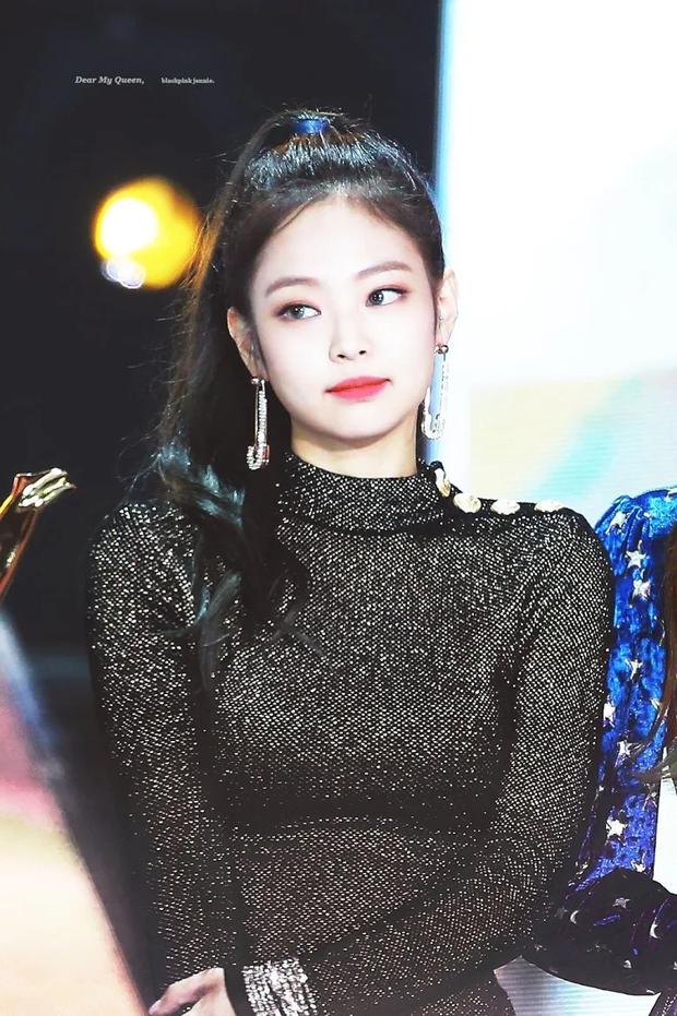 """Bác sĩ tiết lộ sao nữ xứ Hàn là hình mẫu """"dao kéo"""" hot nhất: Xưa Song Hye Kyo là vô đối, nay Irene hay Jennie là """"trùm cuối""""? - Ảnh 6."""