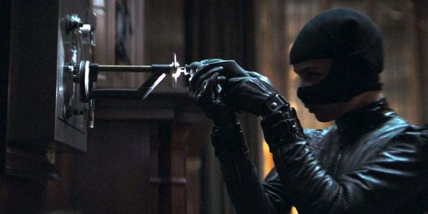 Mổ xẻ 7 chi tiết ẩn ở trailer The Batman: Kẻ phản diện tươi xanh chưa thực sự xuất hiện? - Ảnh 8.
