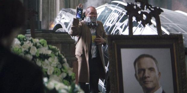 Mổ xẻ 7 chi tiết ẩn ở trailer The Batman: Kẻ phản diện tươi xanh chưa thực sự xuất hiện? - Ảnh 2.