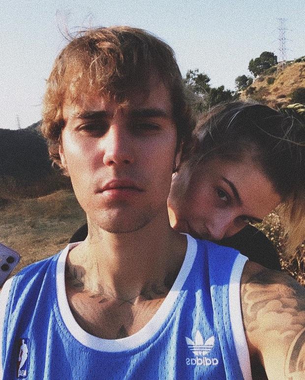 Justin Bieber - Hailey cùng khoe ảnh bế thiên thần nhỏ, The Rock vào chúc mừng và dự đoán luôn thời điểm cặp đôi có con - Ảnh 7.