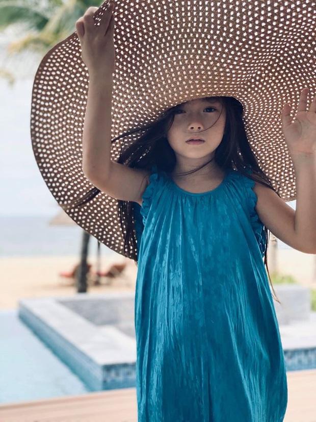 Nhan sắc nổi bần bật của bé Sol qua ống kính mẹ Đoan Trang, giờ mới hiểu sao Tiến Luật cứ hối thúc chuyện kết thông gia - Ảnh 4.