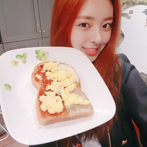 Hé lộ chế độ ăn của các thành viên ITZY: cả 5 cô đều trung thành với salad, riêng Yuna lại có một list toàn đồ ăn nhanh - Ảnh 19.
