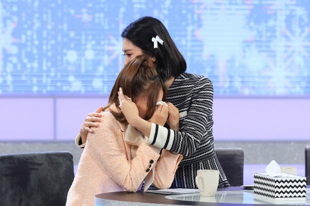 Lan Ngọc oà khóc trên truyền hình khi nói lời xin lỗi muộn màng tới người bạn thân đã mất - Ảnh 2.