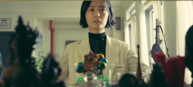 Chán chạy bầu ở Train To Busan, Jung Yu Mi rủ trai đẹp Nam Joo Hyuk săn quái vật trong phim mới! - Ảnh 3.