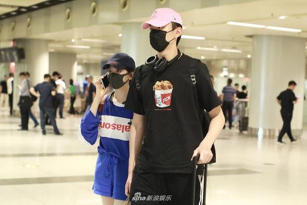Trước Thất Tịch chỉ 1 ngày, Kim Tan Trung Quốc tuyên bố chia tay đàn chị 4 tuổi, màn tỏ tình năm ngoái hot trở lại - Ảnh 17.