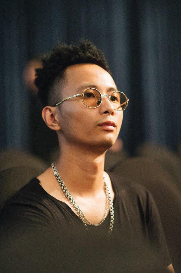 Tiết lộ từng bảo vệ luận án trên ghế nóng Rap Việt, Rhymastic khiến nhiều người tò mò về học vấn, ngành học - Ảnh 1.