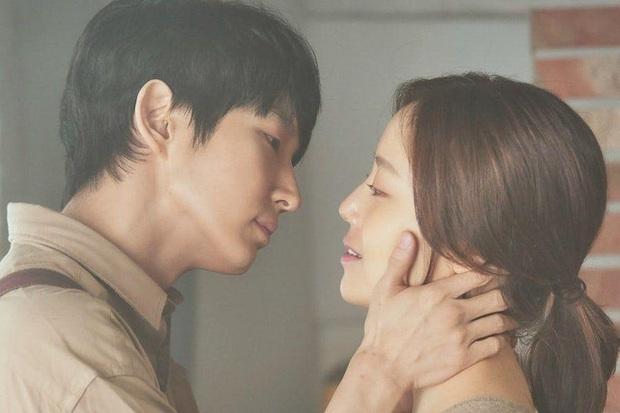 Truyền hình Hàn sắp rơi vào khủng hoảng sau loạt dự án hoãn quay chạy dịch, phim của Lee Jun Ki đã phát cũng phải ngừng sóng - Ảnh 2.