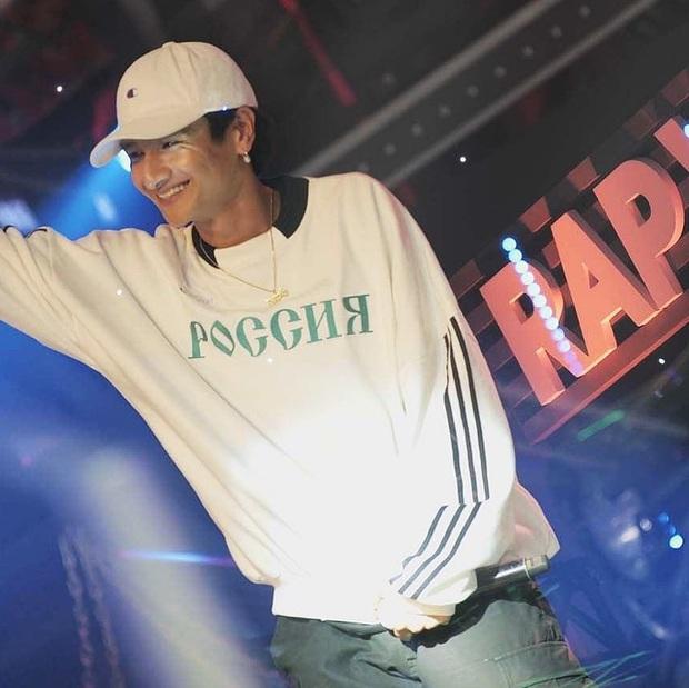 Hot boy Rap Việt 16 Typh: Visual đỉnh khiến Karik phải mê mẩn, diện đến 1001 kiểu tóc đều hợp không phải bàn - Ảnh 1.