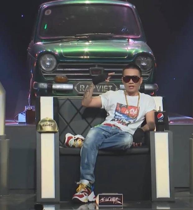 Wowy chính là thánh hài của Rap Việt: Từ dáng ngồi Sài Gòn Chợ Lớn đến chuyên gia xử lý cồng kềnh - Ảnh 5.