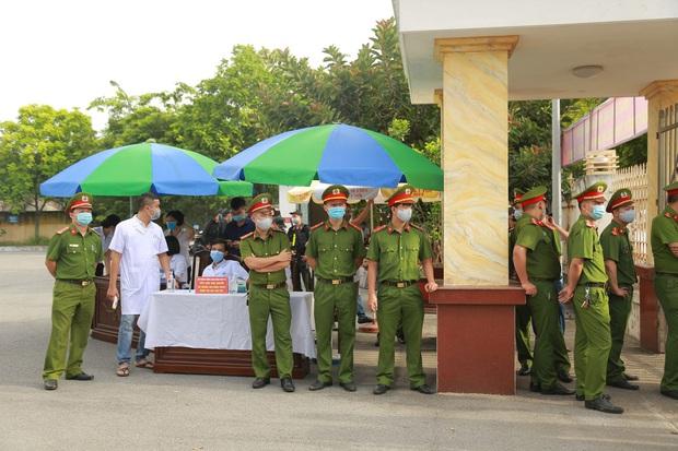 Bị đề nghị mức án cao nhất 3 năm tù vì hành hung phụ xe khách, vợ Đường Nhuệ cho rằng hình phạt quá nặng - Ảnh 2.