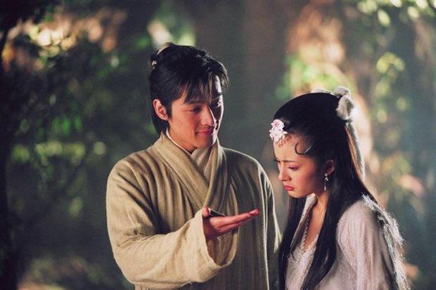 Nghe đồn tin Dương Mịch - Hồ Ca sắp kết hôn, chưa biết thực hư nhưng cứ điểm lại loạt thính của đôi bạn thân ngày mới vào nghề đã - Ảnh 4.