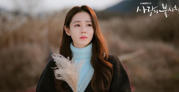 Chán đi Thụy Sĩ với Hyun Bin, Son Ye Jin xuyên không làm công chúa, hành Kang Ha Neul tới bến - Ảnh 3.