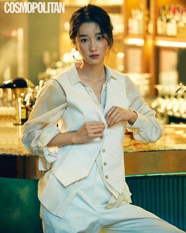 Ảnh tạp chí cũ của điên nữ Seo Ye Ji bỗng hot rần rần: Đẹp cực phẩm, sexy khó cưỡng, nhưng nhìn cặp lông mày mà thở dài - Ảnh 4.